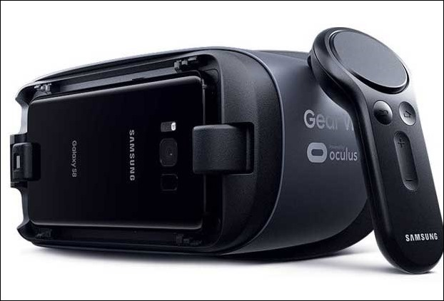 Samsung Galaxy S8  with its own virtual reality software will also provide VR Gear geadset on pre orders